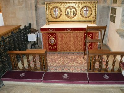 Kneelers at Christ Church Cath 1